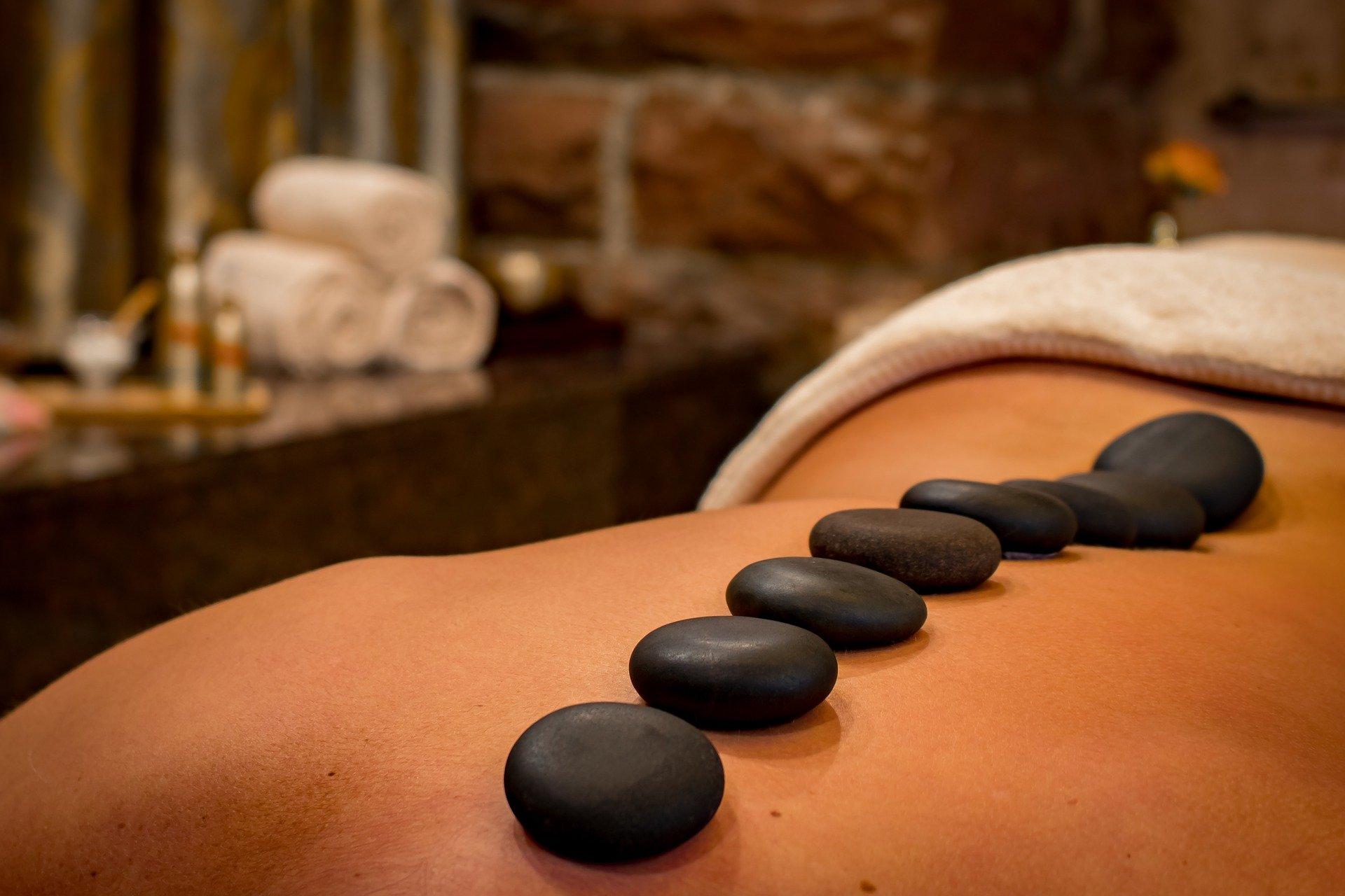 massage relax entspannung steine