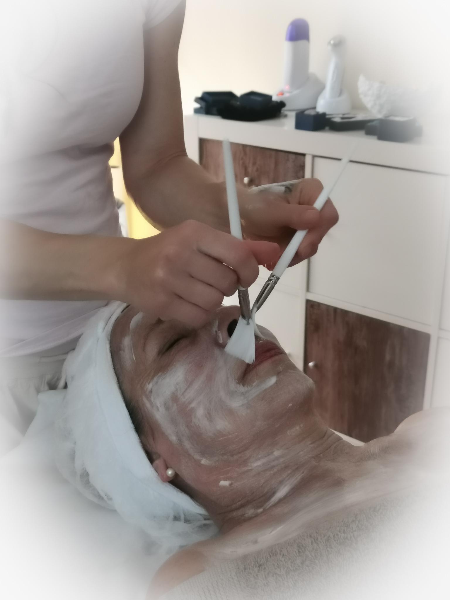 gesicht-kosmetik-behandlung-freiburg